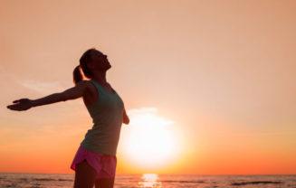 Alguns passos simples podem te ajudar a viver de forma mais plena e melhorar sua qualidade de vida. Saiba mais por onde começar a mudar seus hábitos.